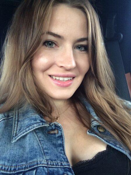 Zuzanna je suis sur ce site de rencontres coquines comme chacun de vous pour trouver un partenaire pour passer du bon temps