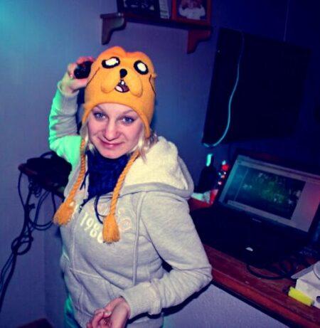 Ilyana, 33 cherche chat coquin et plus si affinité